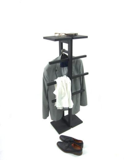 valet stand black oak