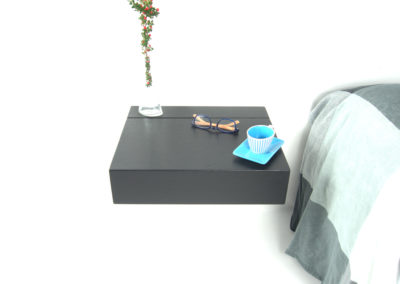 Zwevend nachtkastje Little Sesam in de kleur Nero