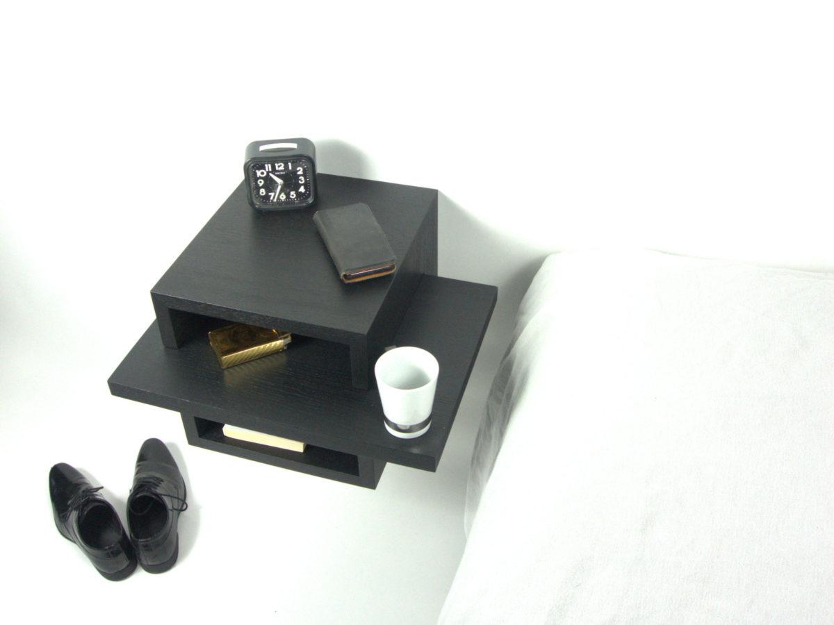 Zwevend / hangend smart nachtkastje in zwart eiken
